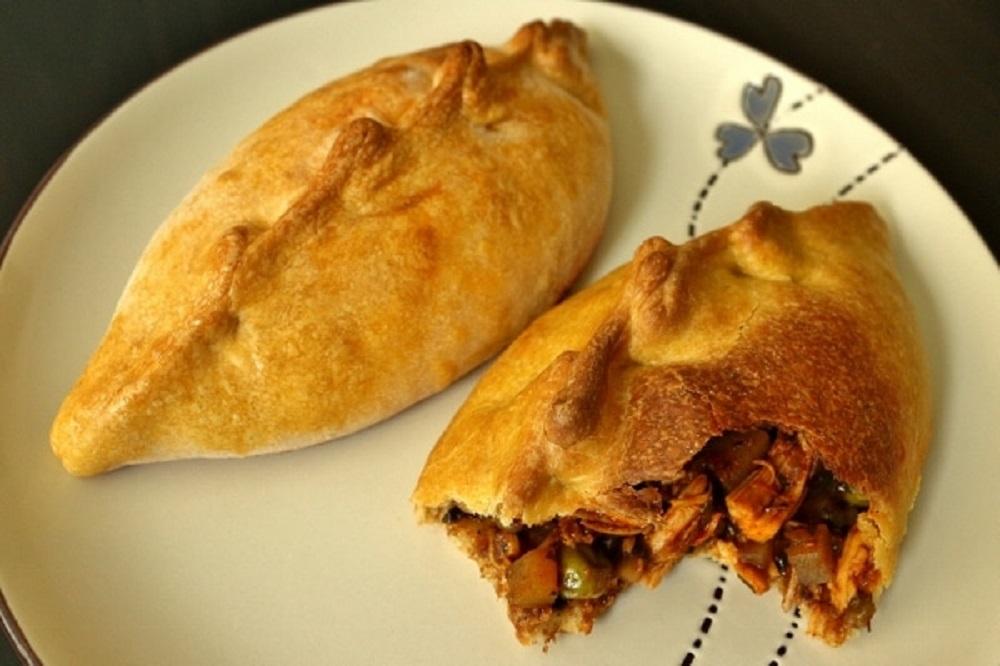 Chicken, Potato & Green Pea Empanadas Salteña by Mission Food