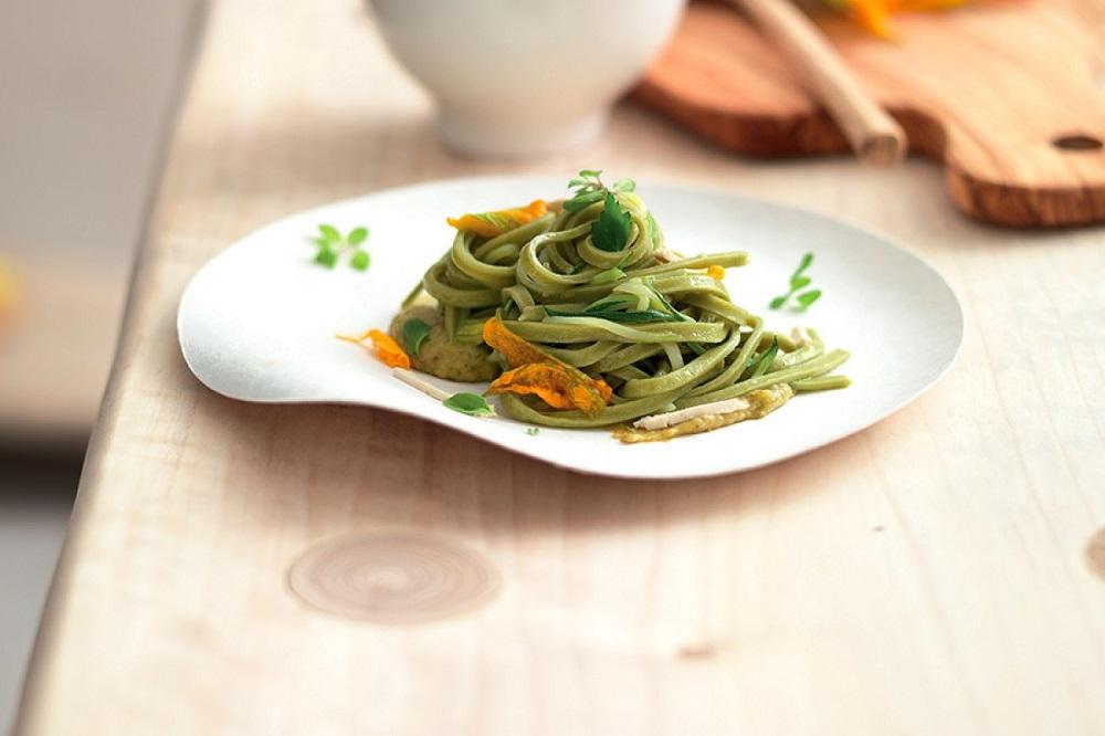 Green Spaghetti with Zucchini Pesto and Tofu (La Cucina Italiana)