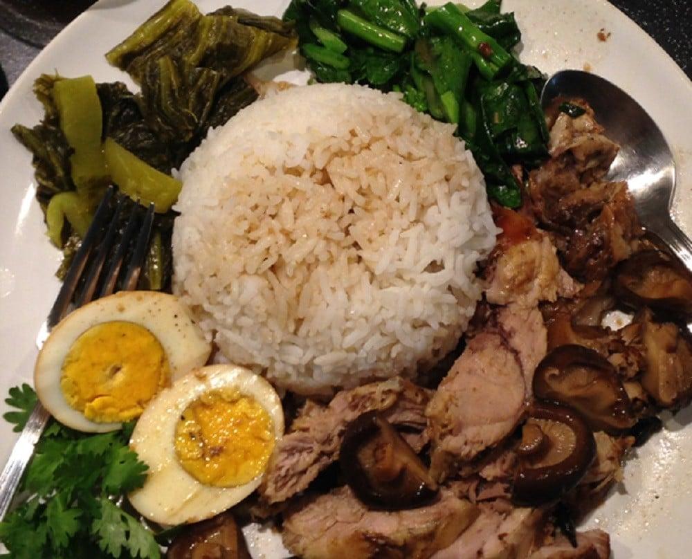 Authentic Thai Recipe for Braised Pork Leg