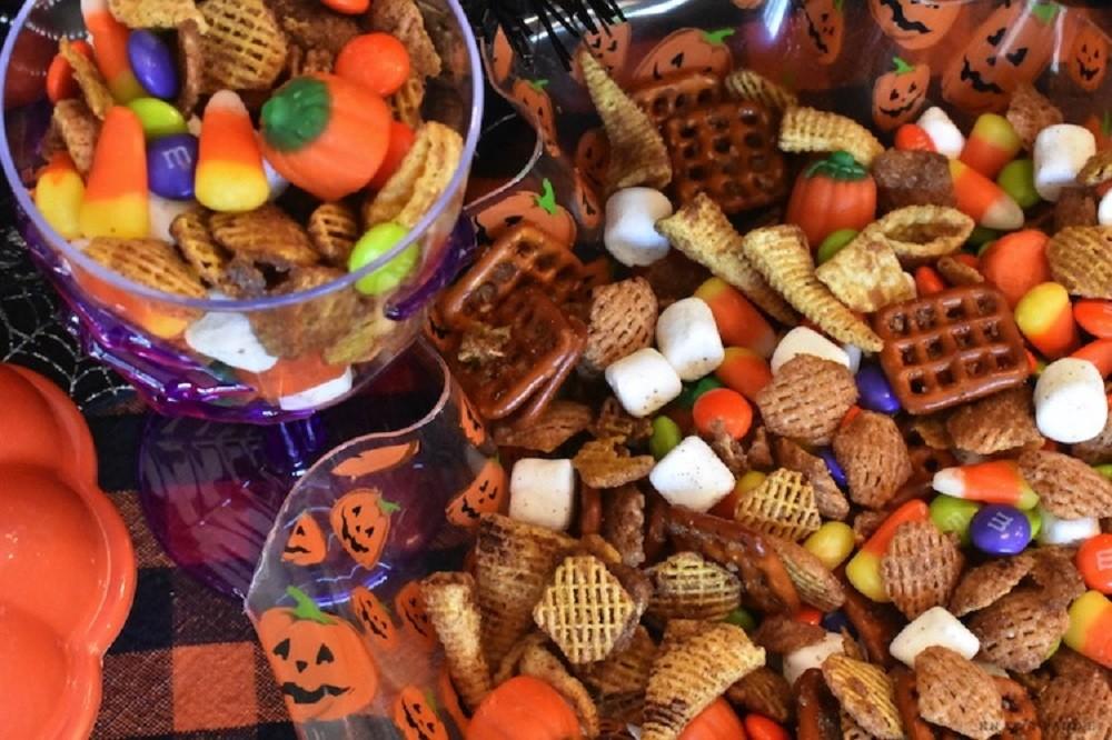 Easy Harvest Snack Mix