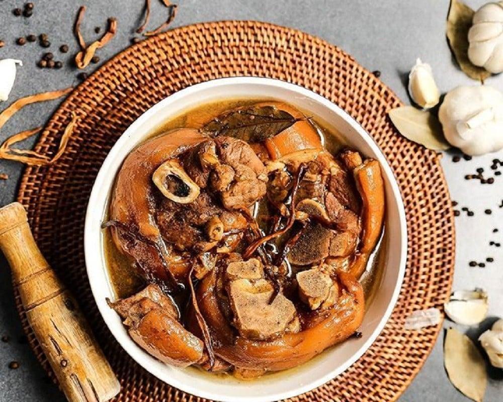 Filipino Stewed Banana Blossoms And Pork Legs
