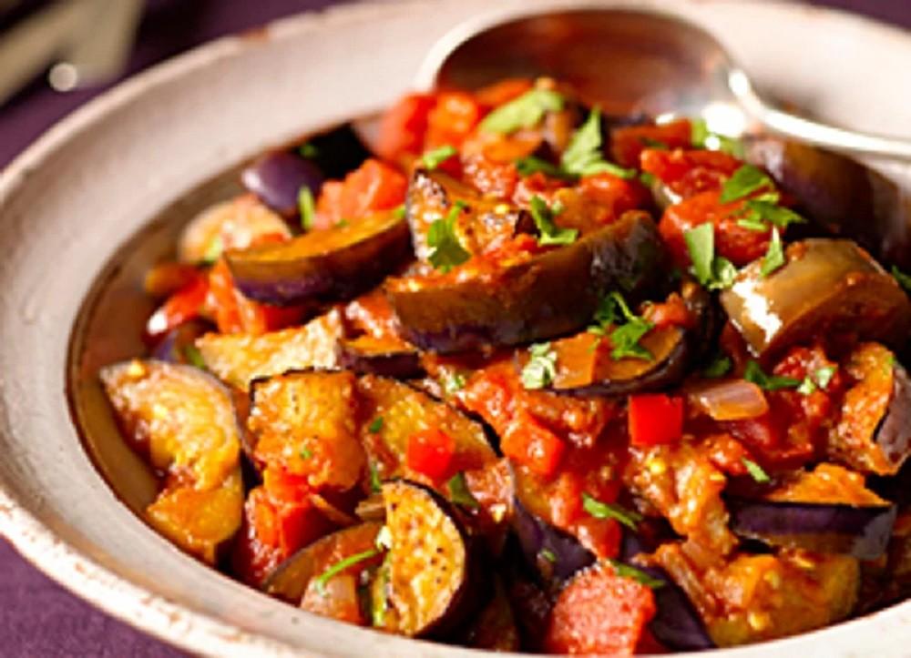 Guiso de Berenjena (Eggplant & Tomato) by Chowhound