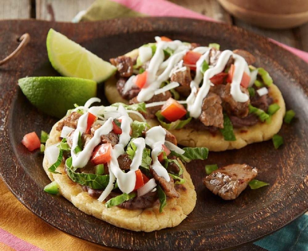 Huaraches with Beef Steak & Sour Cream  Daisy Brand