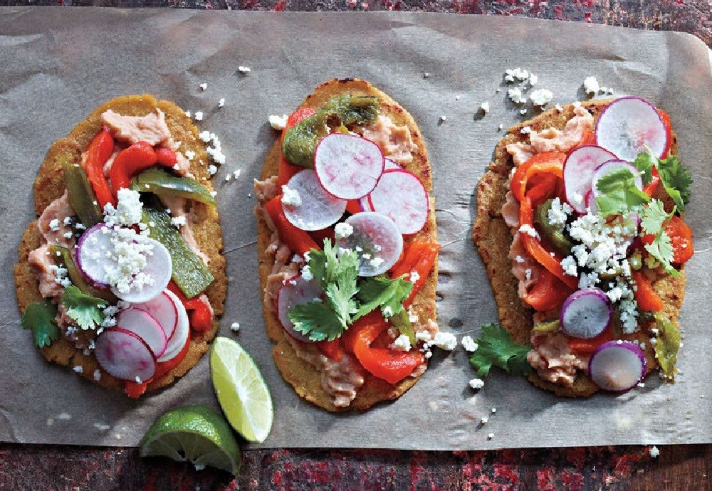 Huaraches with Refried Beans and Peppers | Weight Watchers