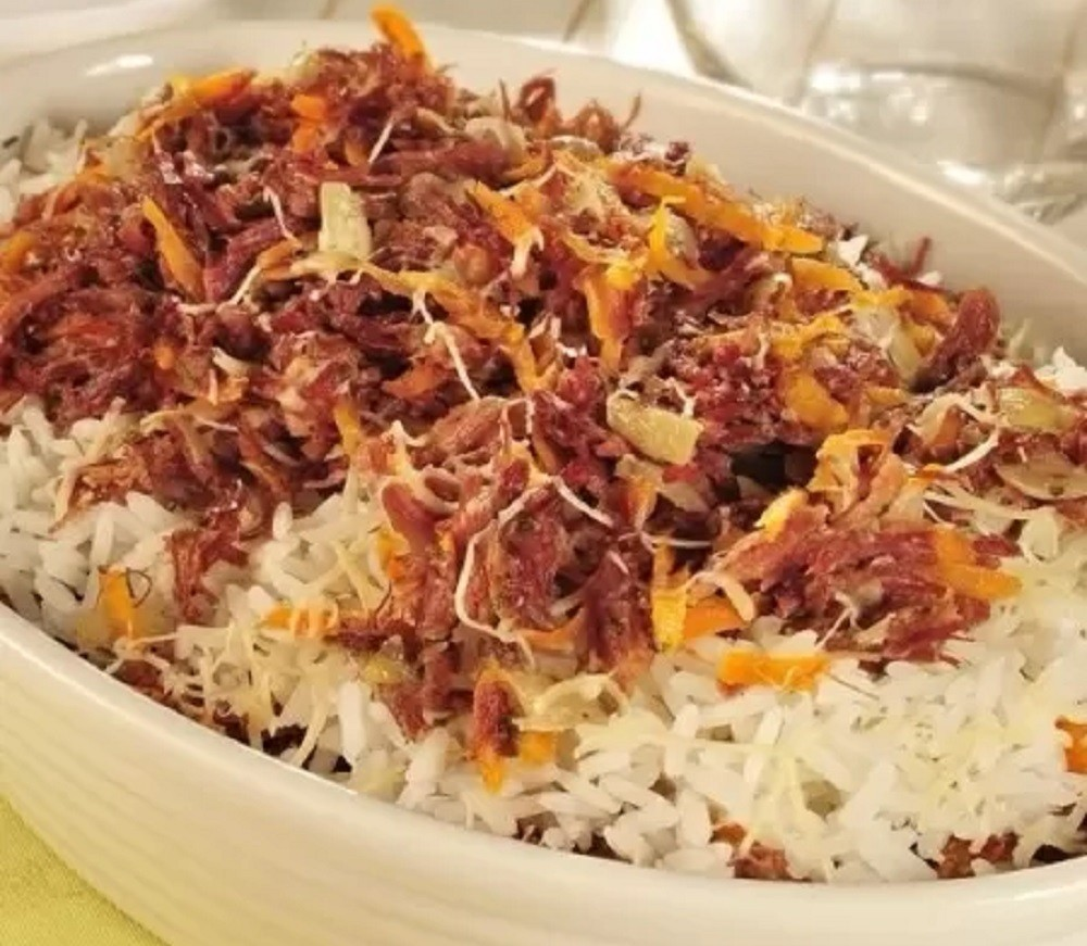 Oven Rice with Dried Meat and Carrots - Nos Sa Uol