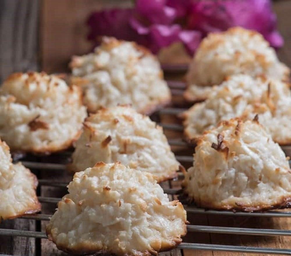 Panamanian Cocadas (Coconut Cookies)